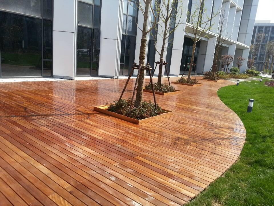 柳桉防腐木地板的安装和铺装方法