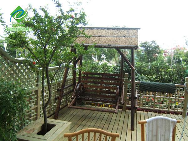 防腐木秋千椅采用最户外防腐木材