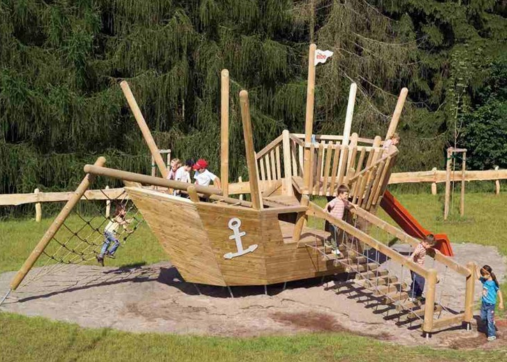 防腐木在儿童游乐设施中的应用
